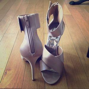 Badgley Mischka Ankle Cuff Heels in BLUSH - Sz 10